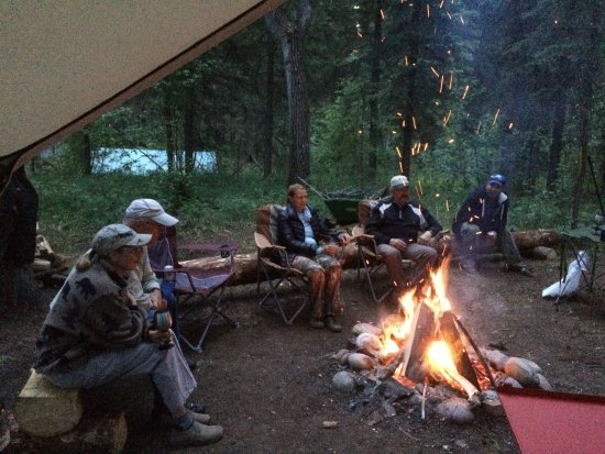Upstream Drift Co: Come and relax around the fire.