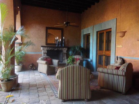 Hacienda De Los Santos: IMG_20170322_074651913_large.jpg
