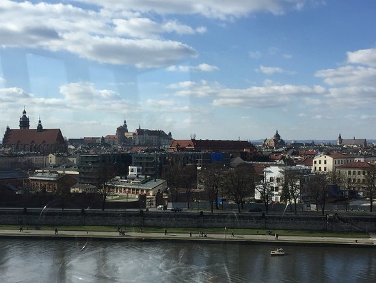 Qubus Hotel Krakow: View of the city from the rooftop pool