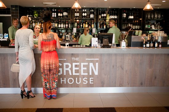 Medowie, Australia: the Greenhouse Bar - open daily!