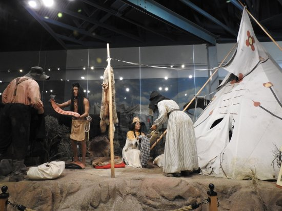 National Historic Oregon Trail Interpretive Center: A life size display - trading with the Indians