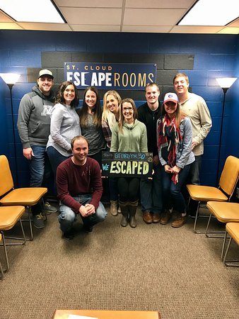 Saint Cloud, MN: This group of friends escaped just in time!!