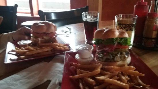The Loft: Bar. Burgers and drinks