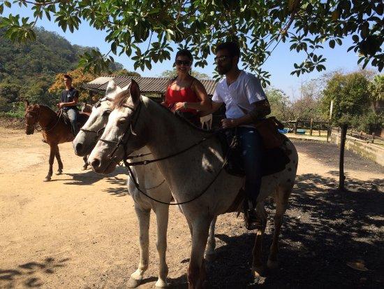 Penedo: dia de passeio a cavalo