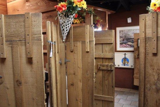 Grand Rivers, KY: Farmhouse Doors