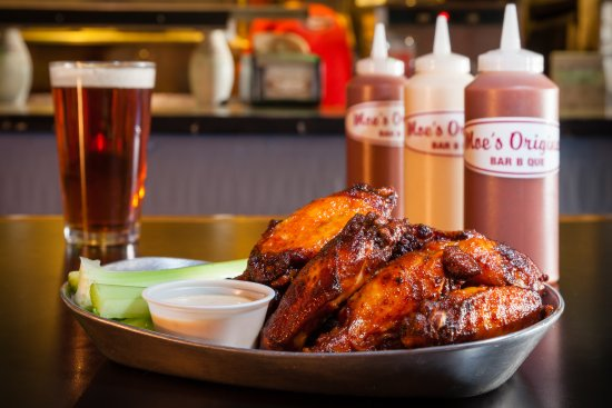 Aurora, CO: Smoked BBQ Wings, Colorado Craft Beer