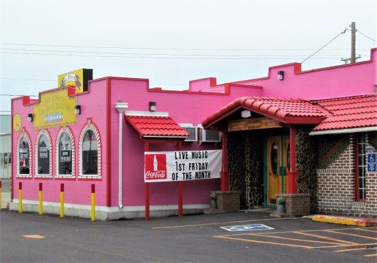 La Grande, Oregon: La Fiesta Mexican Restaurant & Lounge, La Grande, OR