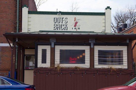 Dot's Back Inn: Front view of Dot's Back