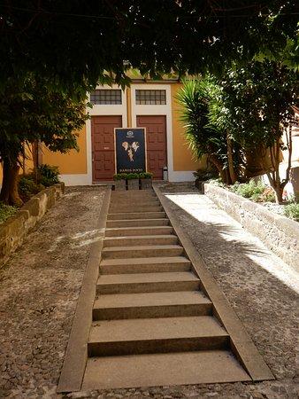 Vinicola Ramos Pinto: Casual staircase to the entrance of Ramos Pinto.