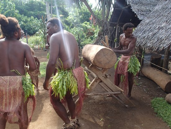 Santo Fire Walk & Cultural Tour: Dancing and music