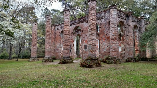 Old Sheldon Church Ruins: Beautiful Historic Place