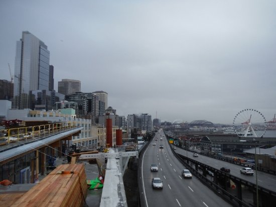 Seattle Waterfront: Another view of waterfront highway