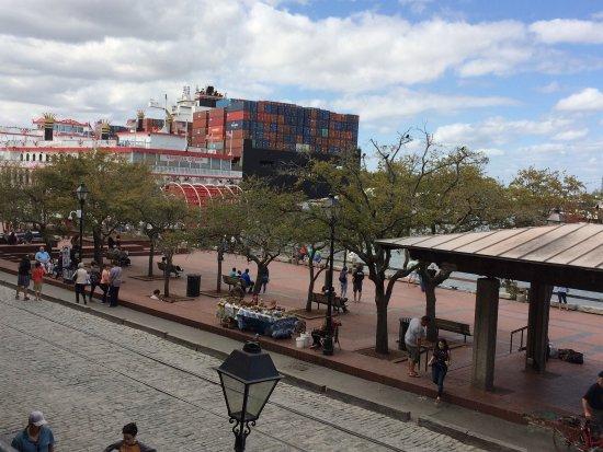 River Street Savannah: photo1.jpg