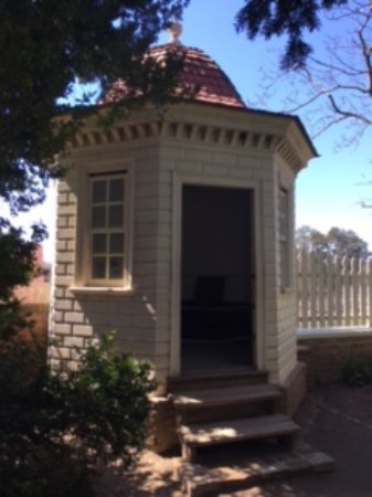 Mount Vernon, VA: A Privy at Mt Vernon