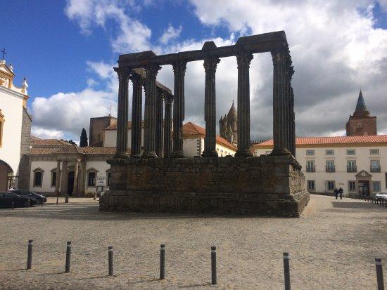 Templo Romano de Évora (Templo de Diana): photo0.jpg