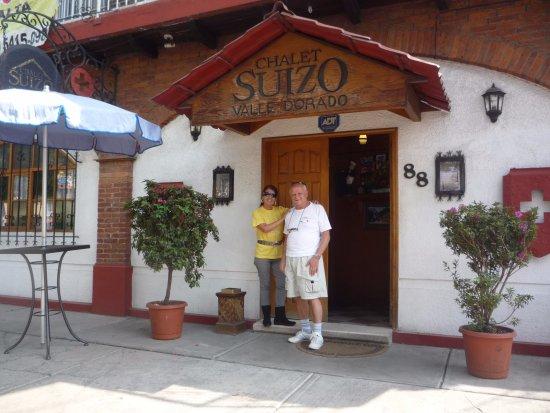 Tlalnepantla, Мексика: Frente de Chalet Suizo en el valle dorado Distrito Federal