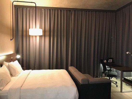 AC Hotel by Marriott Guadalajara, Mexico: Corner King