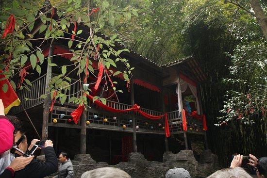 Yichang, Cina: Wedding ceremonyenactment