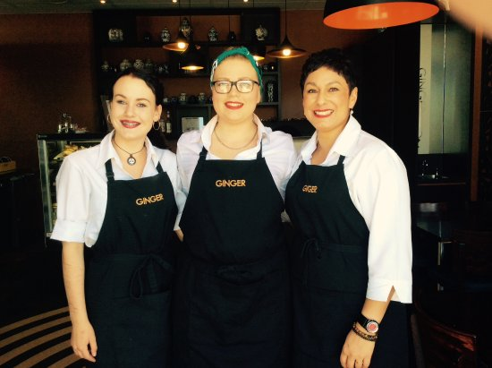 Richmond, Nueva Zelanda: The amazing staff at ginger cafe. From left Shinae, Mariah & Francine (manager) absent Donna