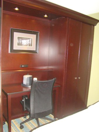 Hampton Inn Hagerstown: Room 328
