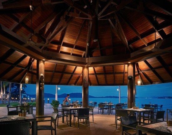 Shangri-La's Tanjung Aru Resort & Spa: Coco-Joe's Bar & Grill
