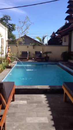 Nyoman Guest House