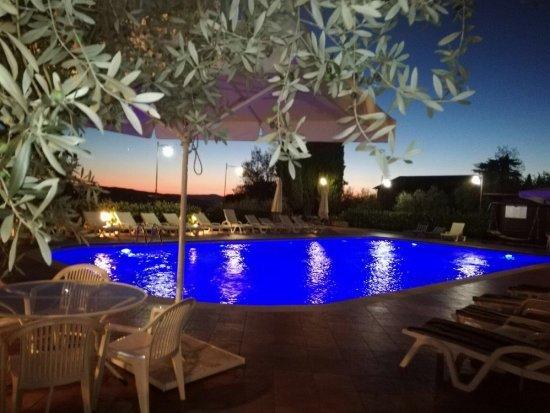 Al suo interno l\'Hotel ospita il Centro Benessere Castæ Aquæ, - Foto ...