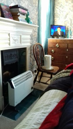 Number One Bed and Breakfast: view from bed, very tiny TV.