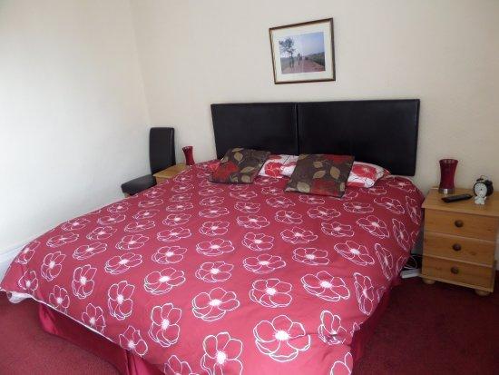 Tiverton, UK: Room 5 set as a superkingsize