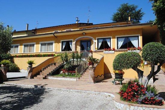 Lariano, Italia: esterno ristorante