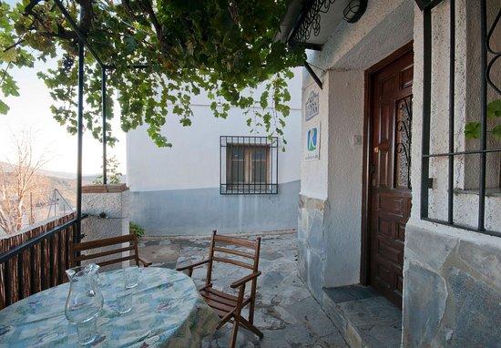 Terraza Casa Launa Pitres