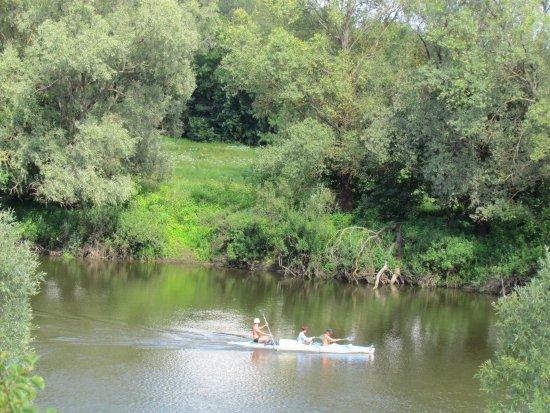 Sverdlovka, Ukraine: сплавы - один из активных видов отдыха в Мезинском НПП