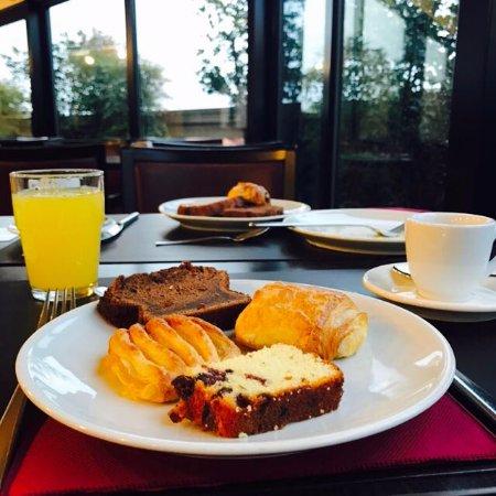 BEST WESTERN PLUS Hotel Galles: colazione in terrazza panoramica
