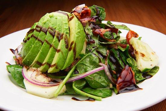 Morristown, Nueva Jersey: Baby Spinach Avocado Salad