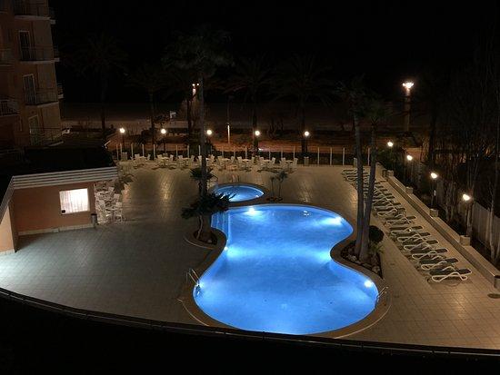 HSM Golden Playa: Außenpool bei Nacht
