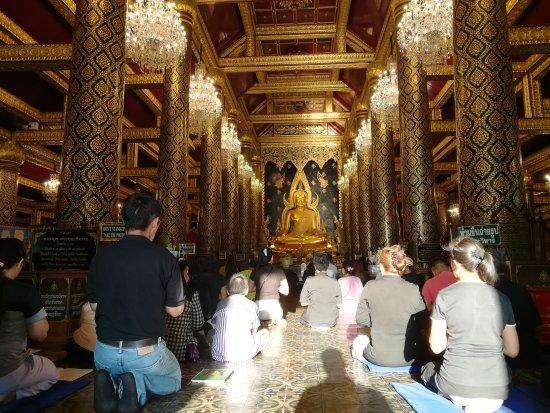 Phra Si Ratana Temple (Wat Yai): IMG_20170328_172641_large.jpg