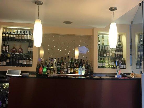 Whyteleafe, UK: Restaurant bar