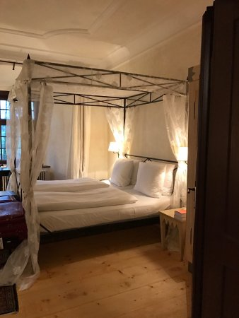 Wernberg, Germany: Photos of our room and the common hallway areas