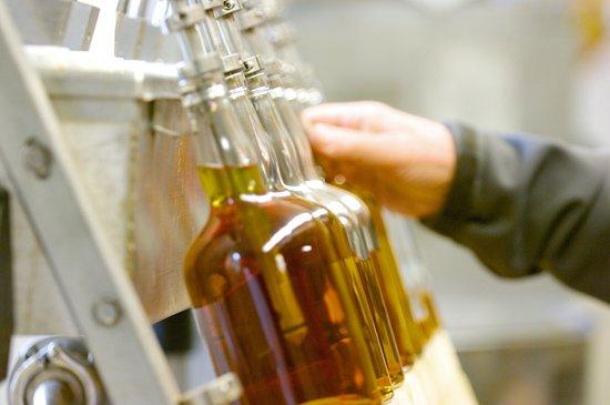 Sheffield, MA: Bottling line