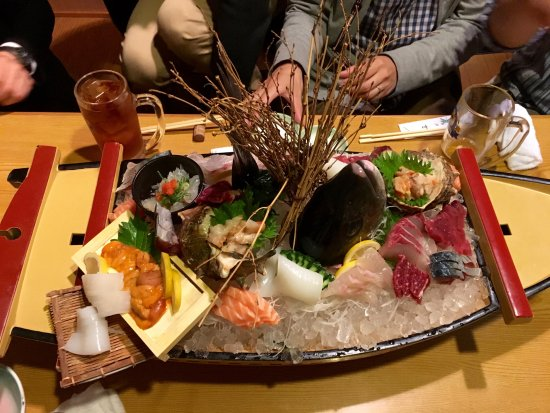 Toyonaka, Jepang: Sushi in tradition and favour