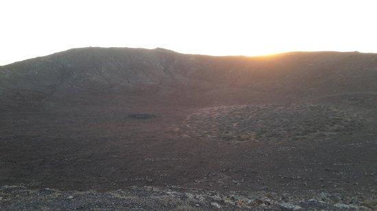 Volcán Montaña Roja: giro intorno al cratere