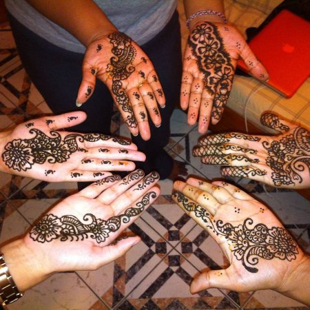 Gros Islet, St. Lucia: Group henna party
