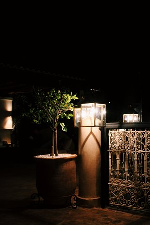Riad O: Rooftop terrace by night