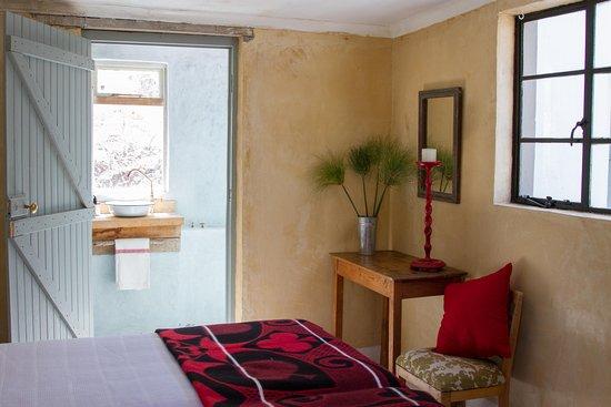 Porcupine Hills Guestfarm : Klipboks Bedroom 2
