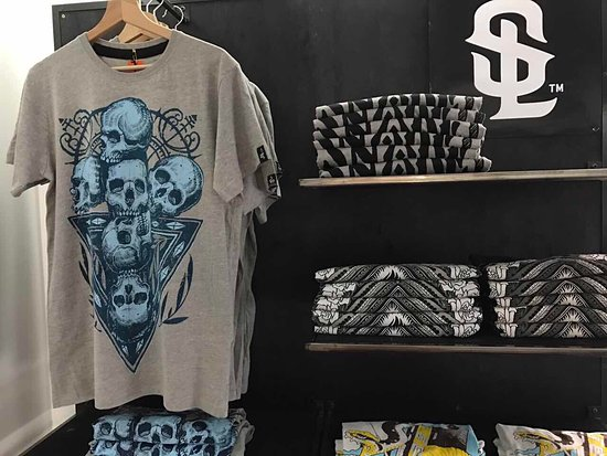 Great t- shirts , cool designs, soft cotton. - Picture of Snake ...