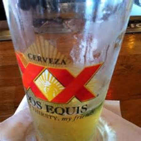 Middletown, CT: Dos Equis