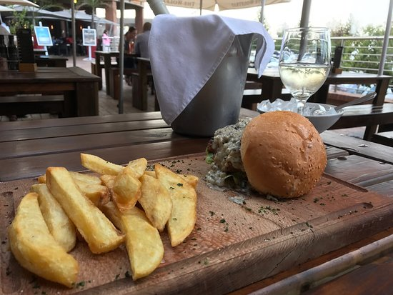 Centurion, South Africa: Amazing food, the best burger I've had in years! Well done chef