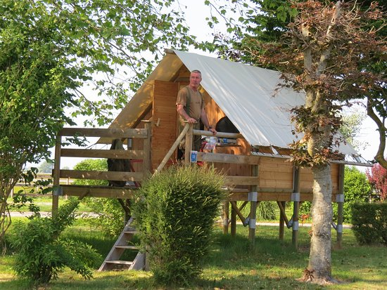 Piscine picture of camping le haut dick carentan for Camping le lavandou avec piscine