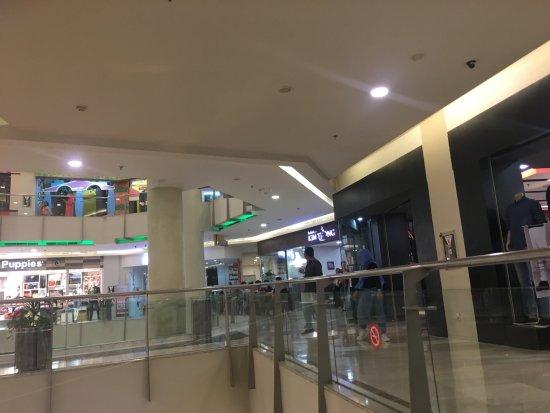Pekanbaru, Indonesia: from the level 2 escalator