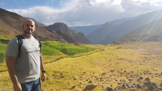 Cotahuasi, بيرو: Above Tomepampa